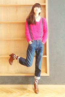4ブーティ×靴下×ピンクニット×ジーンズ