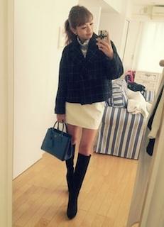 3黒のロングブーツ×ショートジャケット×ミニタイトスカート