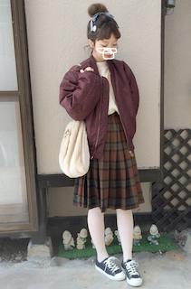 1冬のMA1×白トップス×プリーツスカート