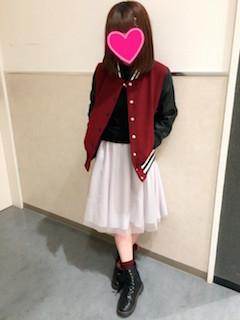 6赤のスタジャン×チュールスカート×ショートブーツ