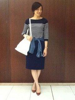 ボートネックTシャツ+タイトスカート