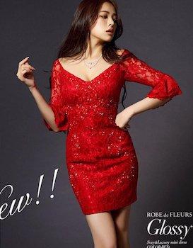 赤のオフショルダードレス