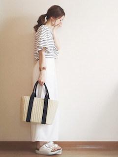 10白のスカンツ×ボーダーTシャツ