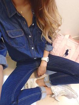 3ナイキのスニーカー×デニムシャツ×ジーンズ