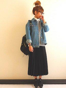 3黒のプリーツスカート×セーター×Gジャン