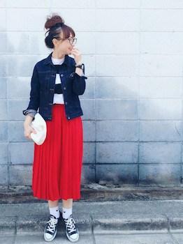 4赤のプリーツスカート×ボーダーTシャツ×Gジャン