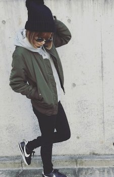 ニット帽×MA1×黒ジーンズ