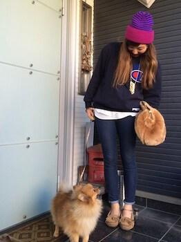 ニット帽×ブランドセーター×ジーンズ