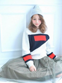 ニット帽×セーター×チュールスカート
