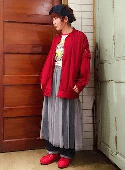 ロングMA1×プリントTシャツ×プリーツスカート