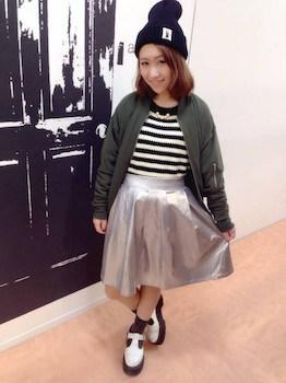 メタリックスカート×ボーダーTシャツ×MA1