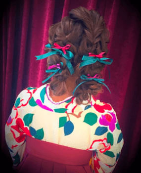 14卒業式で袴に合うツインフィッシュボーンのセミロングの髪型