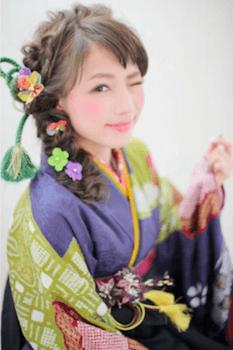 5卒業式で袴に合うツイスト三つ編みのセミロングの髪型