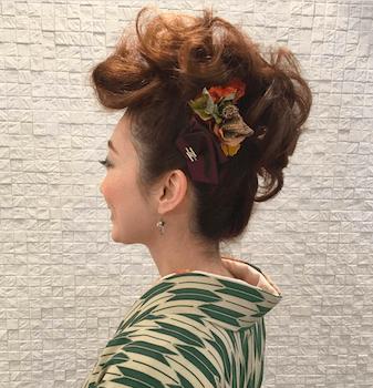 1卒業式で袴に合うボリュームアップの髪型