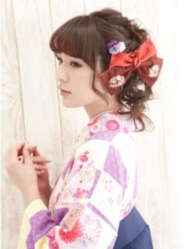 15卒業式で袴に合う三つ編みアップのセミロングの髪型