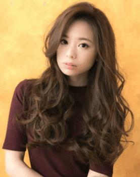 ロングのミックス巻きの髪型