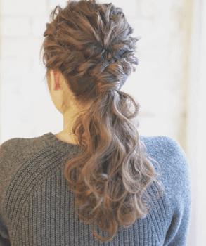 入学式でスーツに合うロングの髪型でW三つ編みポニーテール髪型