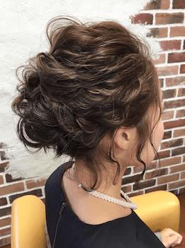 ロングのミックス編みアップの髪型