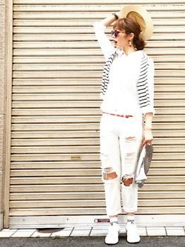 ホワイトデニム×白シャツ×ボーダーカーディガン