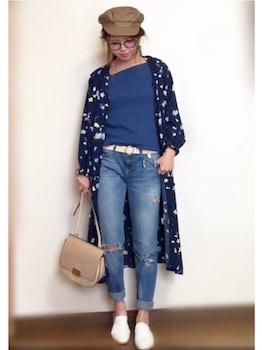 ロングシャツ×ボートネックTシャツ×ジーンズの春服コーデ