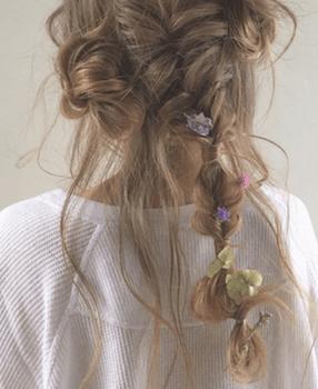 ヘアアクセサリーを使ったユルふわタマネギの髪型