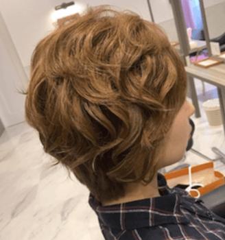 結婚式で人気のショートの無造作ブローの髪型