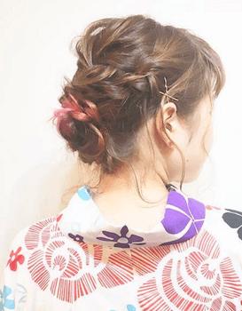 17浴衣に合うレディースの編み込みアップのボブの髪型