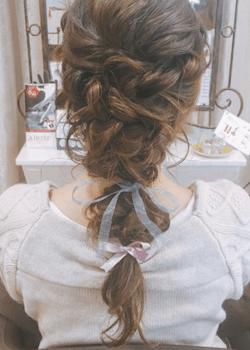 結婚式で人気のロングのダブルリボン&フィッシュテールの髪型