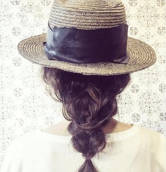 麦わら帽子に似合う髪型13:フィッシュテール