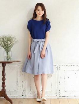 10アビスカラー×半袖ニット×フレアスカート