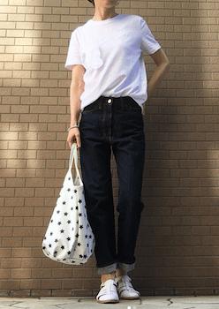 6グルカサンダル×白Tシャツ×デニムパンツ