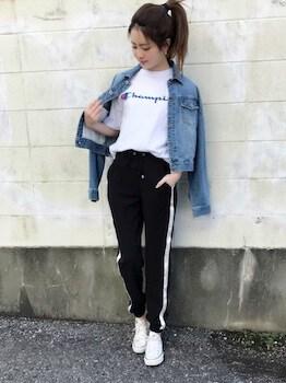 11サイドラインパンツ×ブランドTシャツ×Gジャン