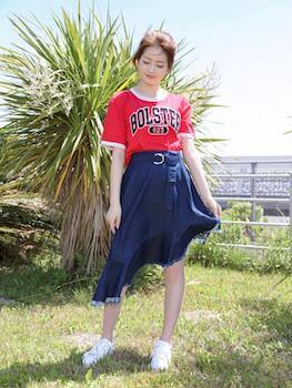 リンガーTシャツのレディースのコーデ方法5(ガーリーに着こなす)