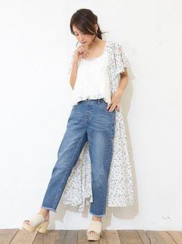 おしゃれに夏服を着こなす方法3:シャツカーディガンを羽織る