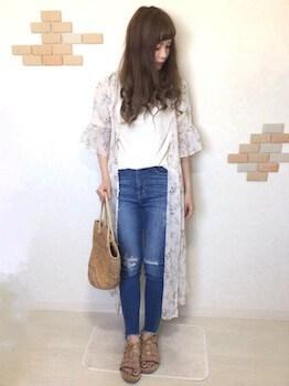 13サマーガウン×白Tシャツ×ジーンズ