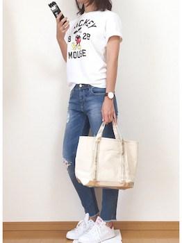 12キャンバストートバッグ×ミッキーTシャツ×ダメージジーンズ