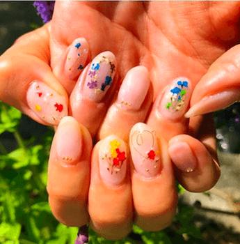 ワイヤーネイル×小花柄のデザイン