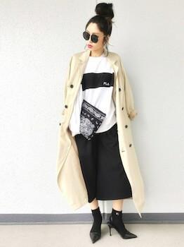 トレンチコート×長袖Tシャツ×タイトスカートの春コーデ