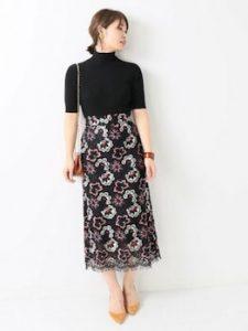 レーススカート×半袖ニットの春コーデ