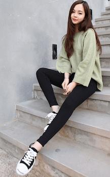 韓国ファッション:黒スキニーデニムの着こなし方