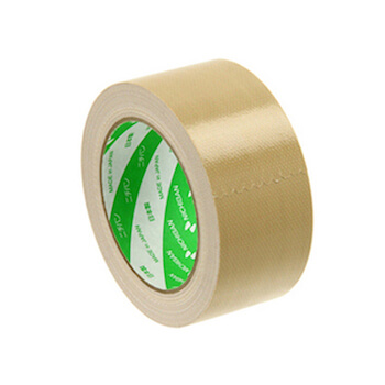 ユニクロの黒パンツについたほこりの取り方4:ガムテープ