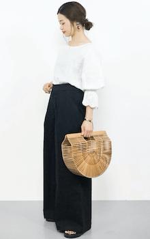 黒色のスカーチョ×バンブーバッグのコーデ(春夏編)