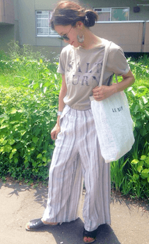 9ロゴTシャツ×コットンパンツ×春夏のリラックスコーデ