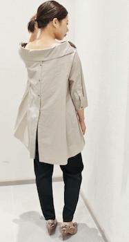 オーバーシャツ×黒色のジョガーパンツのレディースのコーデ(春夏編)