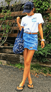 胸ポケTシャツ×デニムミニスカート