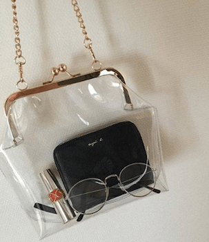 クリアバッグの中身をおしゃれに見せる方法:中身はシンプルに