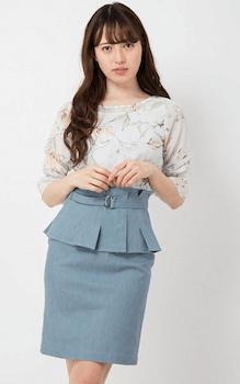 おしゃれなコルセットスカートの着こなし方:オフィスに合う膝上丈!