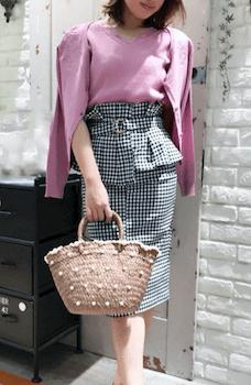 アンサンブルカーディガン×ギンガムチェックのコルセットスカートのコーデ