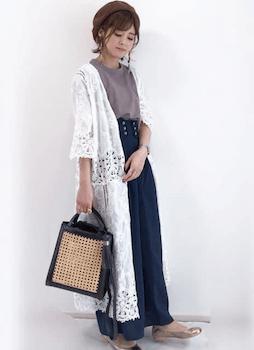 コルセットスカートのおしゃれな着こなし方:重ためデニムで季節感アップ