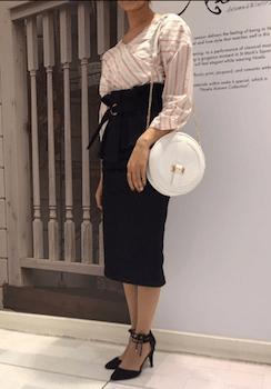 おしゃれなコルセットスカートの着こなし方:きれいめタイト